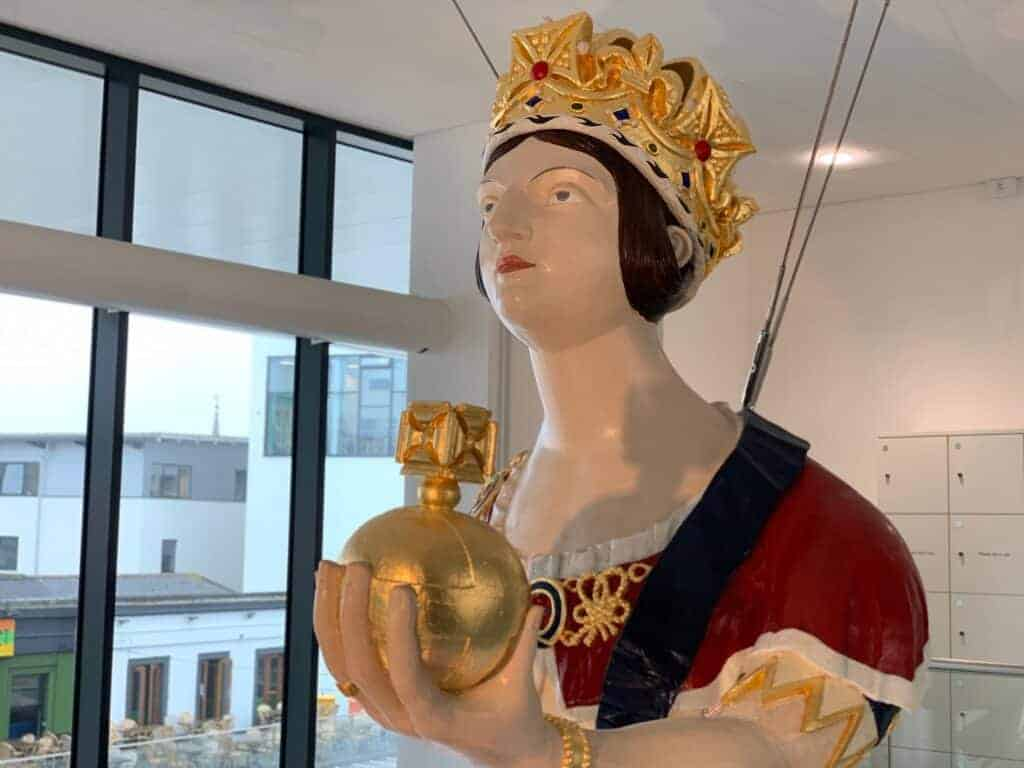 Queen Victoria ships figurehead